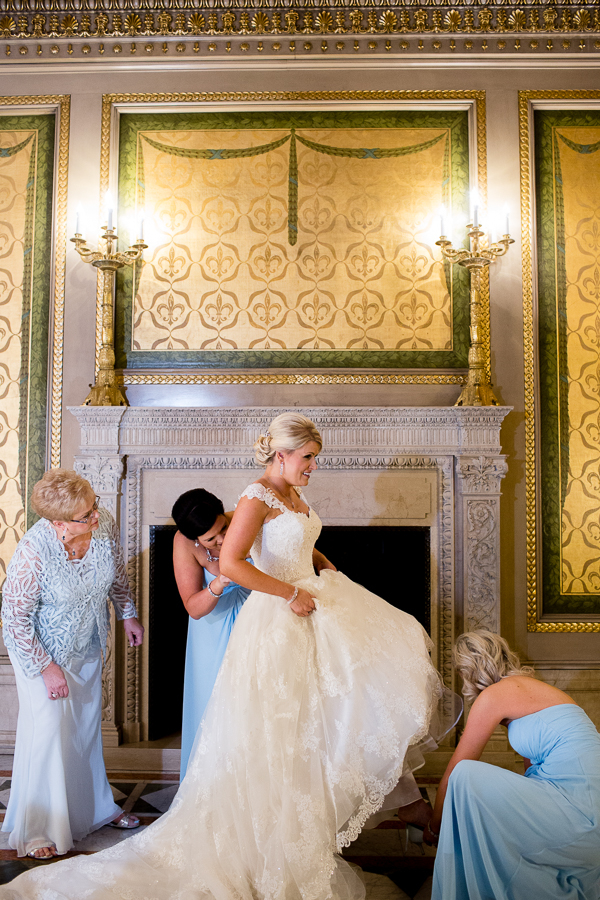 Bride Getting Ready in the Founders Room at the Carnegie Museum