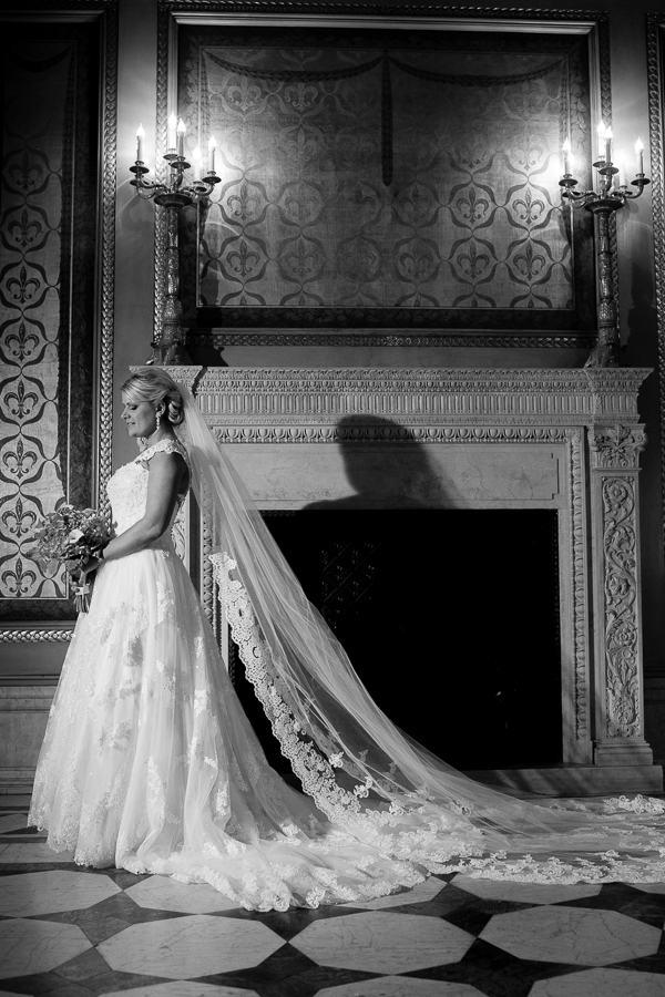 Classic Bridal Portrait in the Carnegie Museum Founders Room